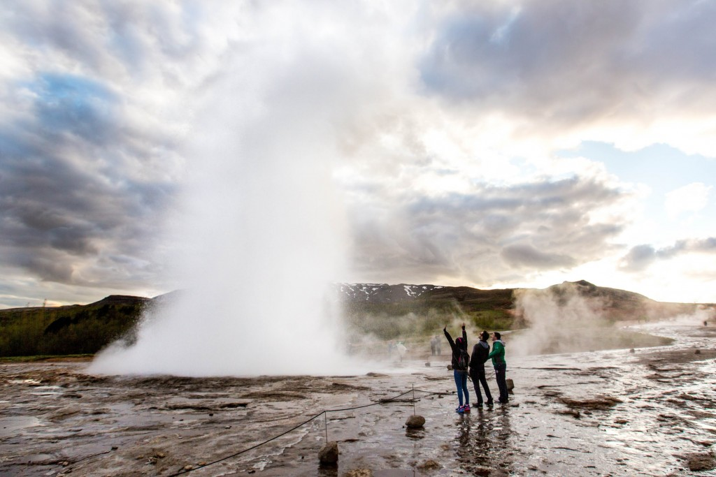 Exploding Geysers